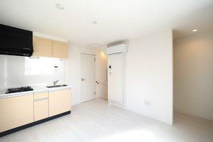 杉並区和田1丁目木造3階建共同住宅